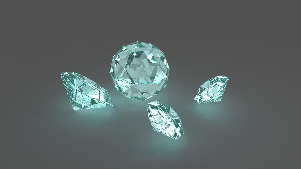 גדלים שונים של יהלומים